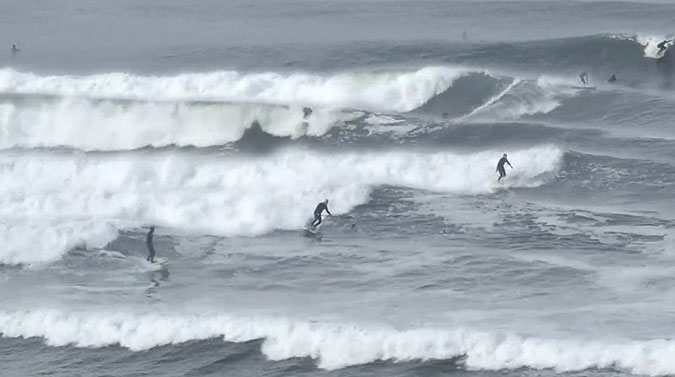 This is nuts. Wave after wave pumping through, with no breaks in the action. It's also not real.
