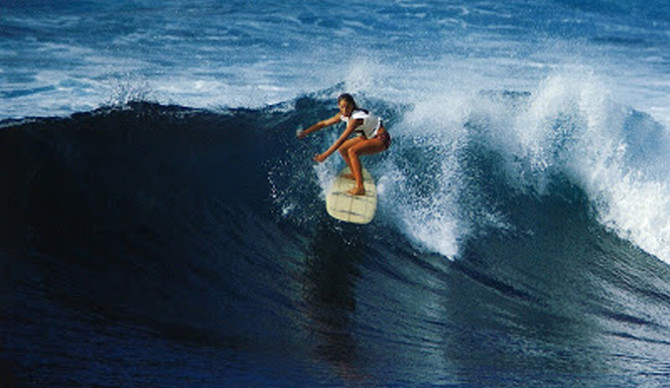 Margo Oberg at Makaha, 1968. Photo: Grannis | Pineappleluv.com