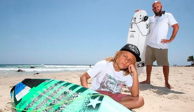 Warren with his son, Taj. Photo: Gold Coast Bulletin