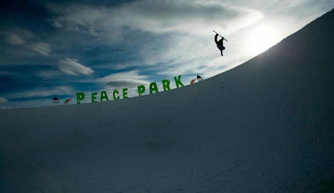 Danny Davis letting it all hang loose. Photo: Adam Moran