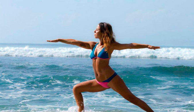 Carlotta Castangia top 10 yoga poses for surfers