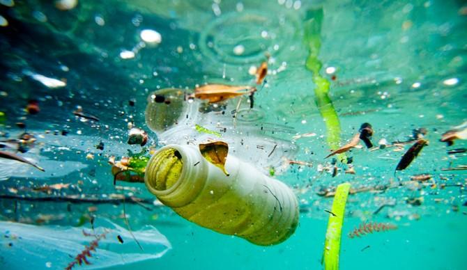 Pollution in the oceans © ChristopheLaunay
