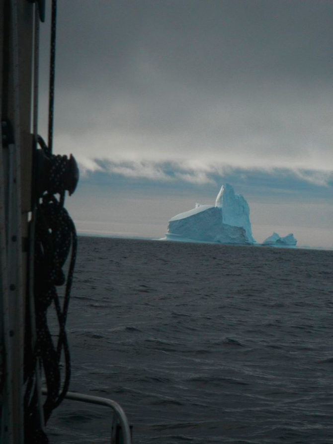 A photo taken by Matt Rutherford from aboard his Albin Vega sailboat in the Northwest Passage. Photo: Red Dot on the Ocean