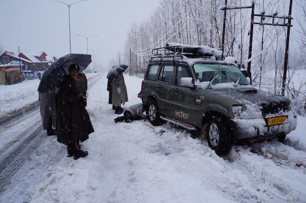 Taxi Kashmir style, photo ©Matt Clark