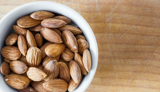 Your eyes will go nuts for the nutrition in almonds! Photo: Shutterstock.