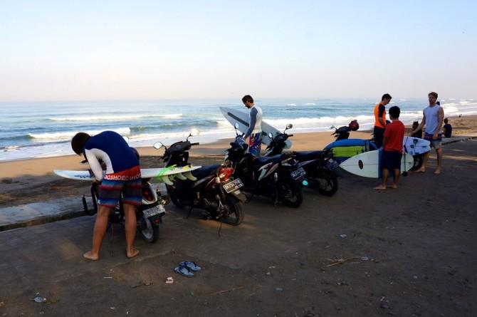 LUEX Team after the ride up to Kedungu   ©Matt Clark/LUEX