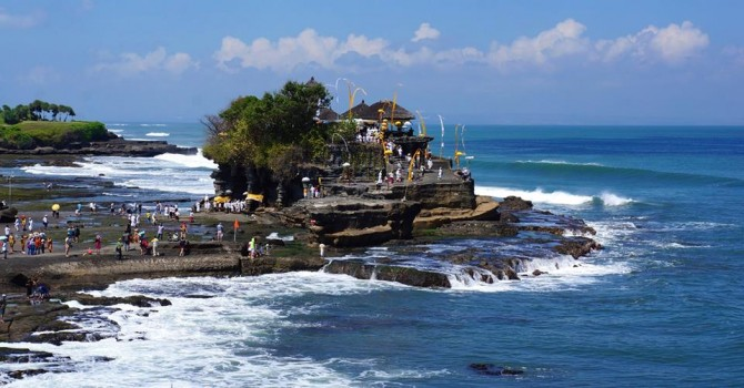 Tanah Lot temple | ©Matt Clark/LUEX