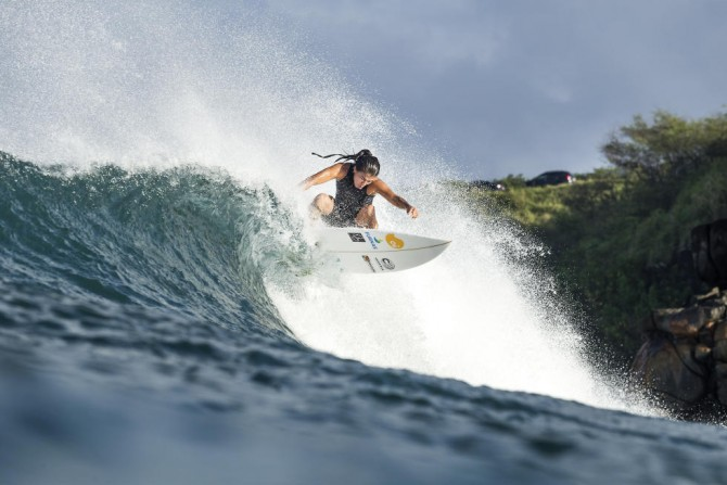 Silvana Lima competing at the Target Maui Pro. Silvana is the only Brazilian woman in the top 50 of the WSL. Photo: WSL/Cestari