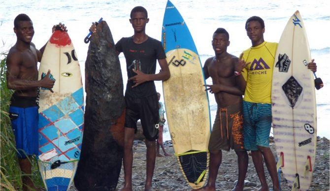 Local_Kids_AguaIze_Pedro