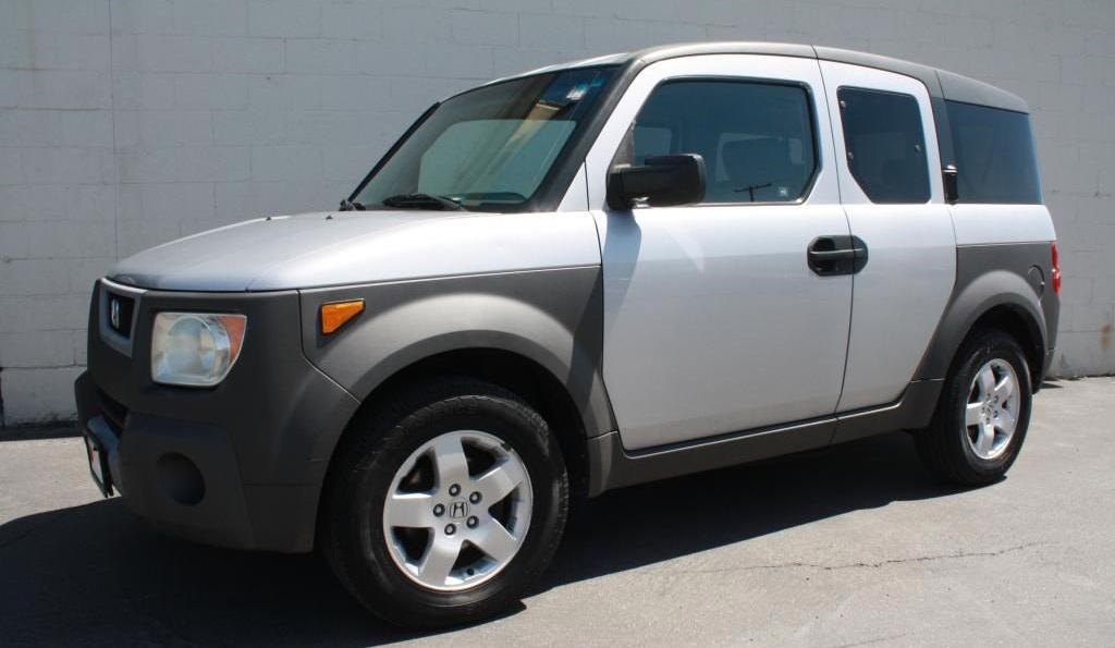 Honda Element 2003: 6 300 $