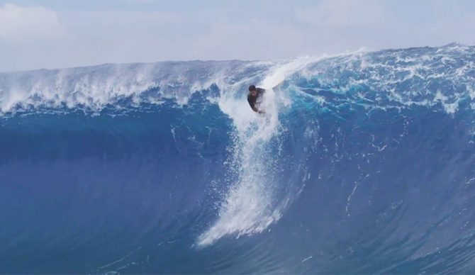 The person that crosses the world to surf a single wave does that because he loves it. I'm not scared of risk, even less scared of being happy.