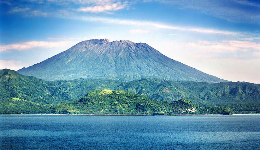 Mount Agung is set to erupt, according to vulcanologists. Photo: Bali Arya Tours and Travel
