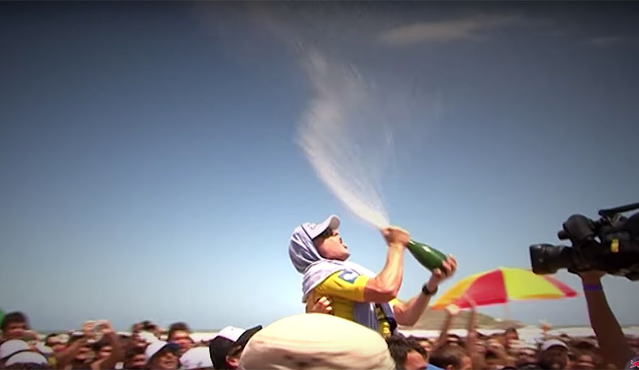 Mick Fanning celebrates his first world title win in 2007. Image: screenshot