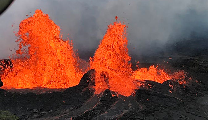 Lava fountains form fissure 22 on the lower east rift zone of Kīlauea volcano, in Hawai'i. Image: USGS