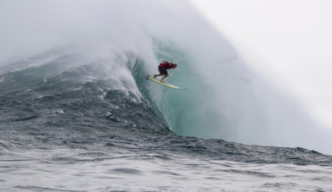Keala Kennelly, fully committed on a heaving Jaws behemoth on her way to being crowned 2018 Women's Jaws Challenge champ. Photo: WSL/Hallman