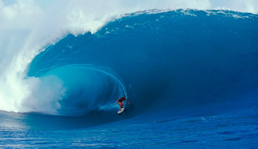 Malik Joyeux surfing Teahupoo