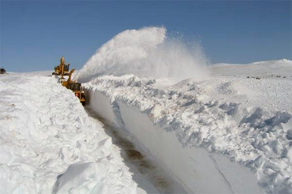Canada's border wall is finished an it's made of snow: genius.