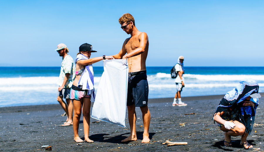 The beach cleanup after Round 3 of the Corona Bali Protected, 2018.