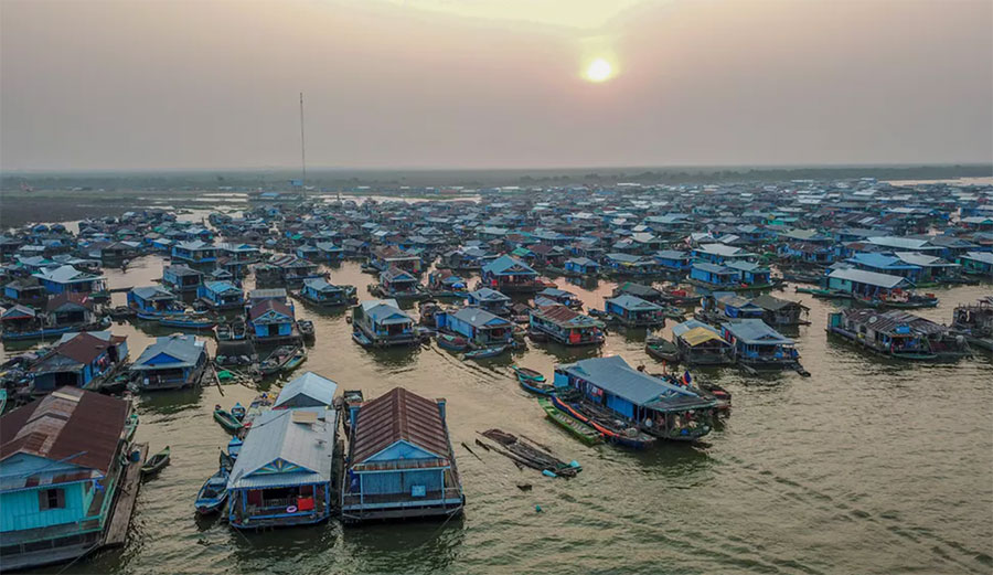 Kompong Luong floating village
