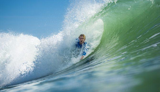 bodysurfing,