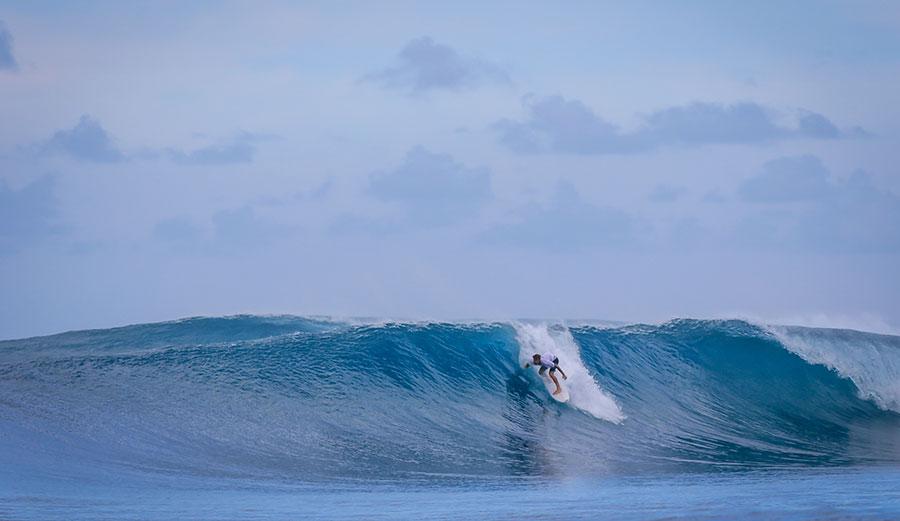Surfing at Kandui