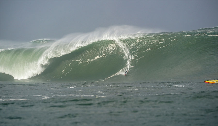 Conor Maguire surfing Mullaghmore