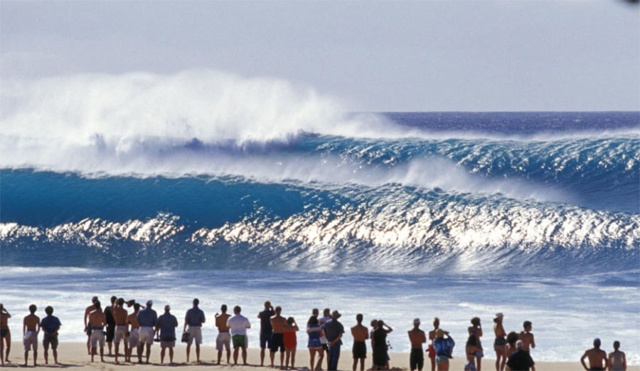 People watching at Pipeline, North Shore, Oahu