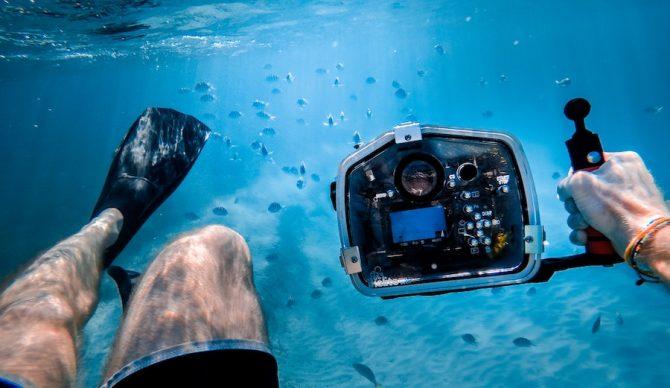 jakob owens via unsplash underwater photography